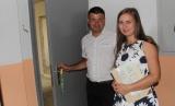 У Мурованих Курилівцях 8 молодих сімей отримали квартири в новому будинку